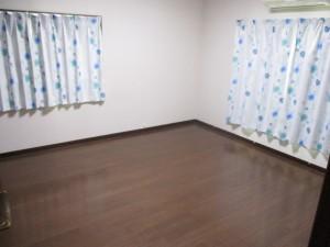 洋室8畳(2階)