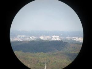 双眼望遠鏡から見た茂原市街