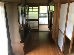 廊下(キッチン前)