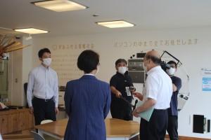 長南集学校や廃校活用について平野町長から説明